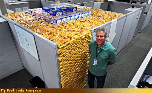 cubicle gross indestructible Office office prank preservatives snacks Sweet Treats twinkies - 4031523328
