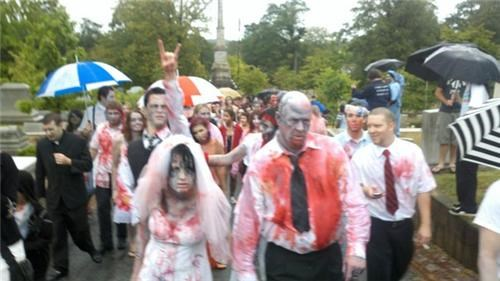 Crazy Brides,crazy groom,fashion is my passion,funny wedding photos,halloween,Sheer Awesomeness,technical difficulties,were-in-love,wedding party,Wedding Themes,zombie bride,zombie groom,Zombie Walk wedding,zombie wedding,zombie
