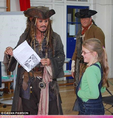 actor,captain jack sparrow,Johnny Depp,Pirates of the Caribbean,publicity,win