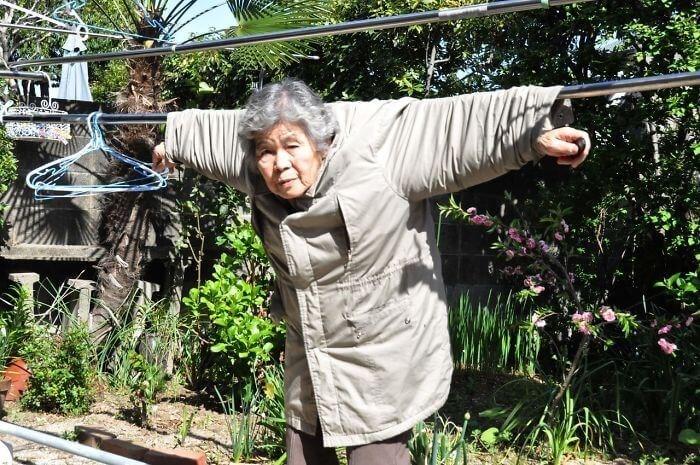 japanese grandma takes funny selfies