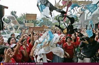 bewbs bras OverKill 9000 women wtf - 4070857472