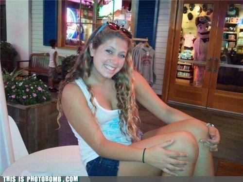 Bubba Gump creeper creepy sneakers Forrest Gump girl photobomb shrimp - 4093889792