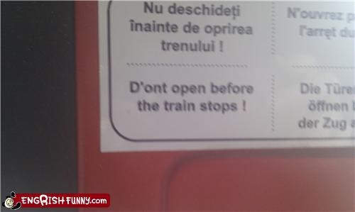 sign train warning - 4113542912