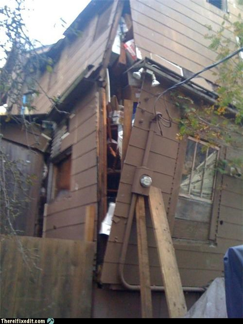 boarding holding it up house unsafe - 4116056576