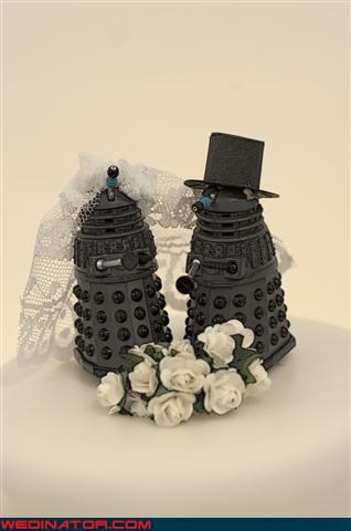awesome cake toppers,bride,cake toppers,dalek cake toppers,daleks,Doctor Who themed wedding cake,Dreamcake,funny wedding photos,groom,themed wedding cake,Wedding Themes