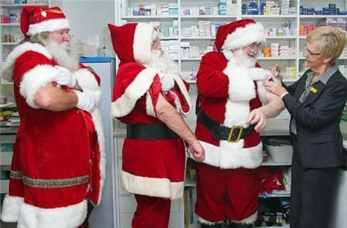 fake beard multiple santas vaccination wtf