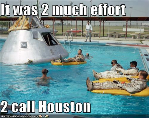 astronauts capsule landing lounge pool water - 4151218688