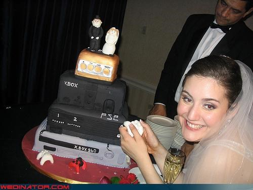 awesome wedding cake bride Dreamcake edible awesomeness funny wedding photos groom themed wedding cake video game themed wedding cake Wedding Themes xbox xbox 360 wedding cake xbox360 wedding cake