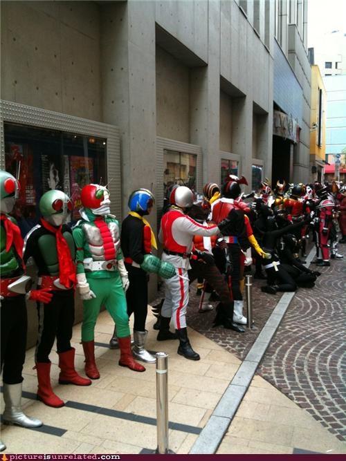 cool dudes costume crowds Japan robots superheros wtf - 4171428864
