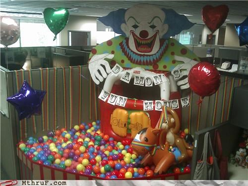 clowns,cubicle prank,scary,wtf