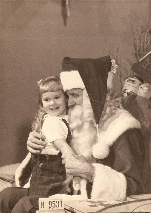 girl old pedo santa scary - 4185448704