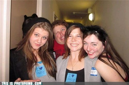 funny face girls photobomb posing - 4187099648