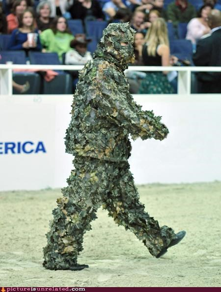camouflage costume leaves monster performance wtf - 4189027840