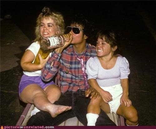 little people michael jackson midgets smirnoff wtf - 4198466560
