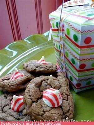 candy cookies epicute festive holiday kisses peppermint stripes
