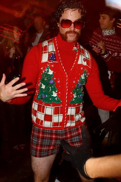 christmas sweater,creepy,hipster,shorts,vest