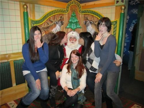 funny look,girls,mrs claus,naughty,throne