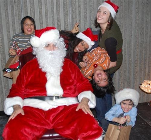 family,funny look,girl,santa,wtf