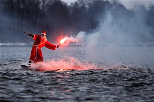 awesome flare santa wakeboarding wtf - 4287974400