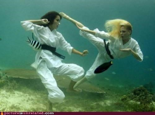 kicking kung fu underwater water wtf - 4301350400