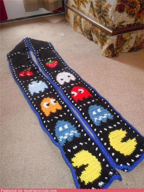 accessory,Knitted,pac man,retro,scarf,video game