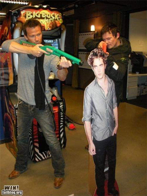 celeb,guns,twilight