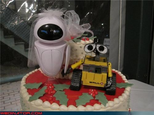 awesome wedding cake,bride,funny wedding photos,groom,pointsettia wedding cake,sci-fi wedding cake,themed wedding cake,WALL-E and EVE get married,WALL-E themed wedding cake,WALL-E wedding cake,were-in-love,Wedding Themes