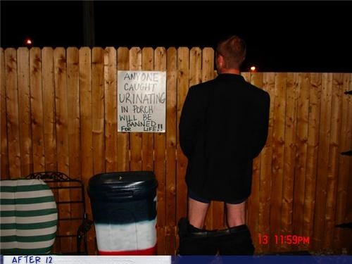 drunk fence good idea pee sign - 4327043328
