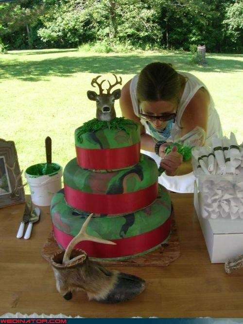 camo wedding cake crazy deer cake crazy wedding cake deer hoof deer themed wedding cake Dreamcake eww funny wedding photos redneck wedding cake scary wedding cake surprise Wedding Themes wtf wtf is this