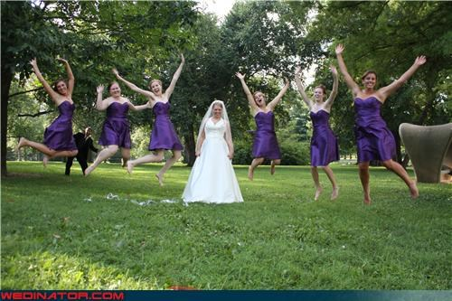 bride,bride photobomb picture,Crazy Brides,fashion is my passion,funny bridesmaids picture,funny jumping wedding picture,funny wedding photobomb,funny wedding photos,jumping trend,jumping wedding picture,miscellaneous-oops,photobomb,surprise,Wedding Photobomb,wtf