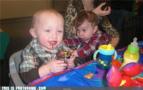 Babies,food,kids,nom nom nom,photobomb,stealing