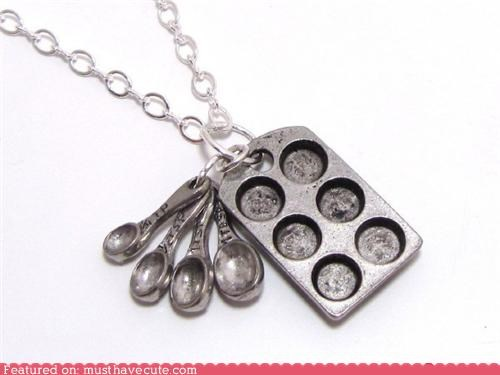 chain,Jewelry,Measuring spoons,muffin tins,necklace,pendant