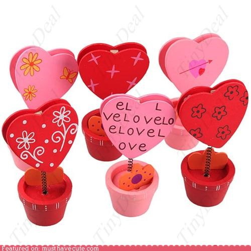 desk heart love memo note pink red valentine