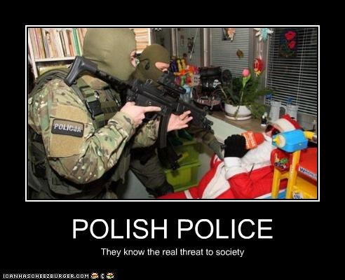 creepy,guns,poland,polish,polish police,santa,wtf