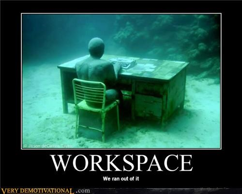 underwater,workspace,desk