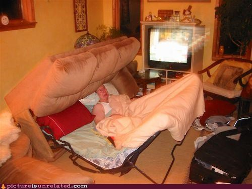 bed couch FAIL relaxation whoops wtf - 4392181504