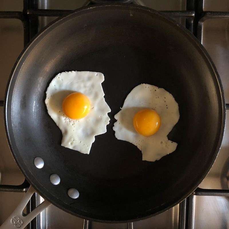 fried eggs turned to art