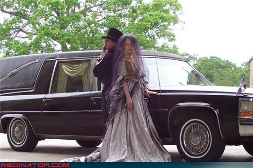 bride,Crazy Brides,crazy groom,creepy wedding,death becomes them,fashion is my passion,funeral director bride,funeral director groom,funeral director wedding,funny wedding photos,groom,themed wedding,were-in-love,Wedding Themes,wtf
