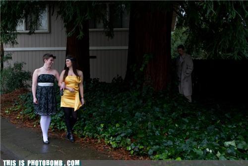 girls implied sexual encounter ominous photobomb - 4477021440