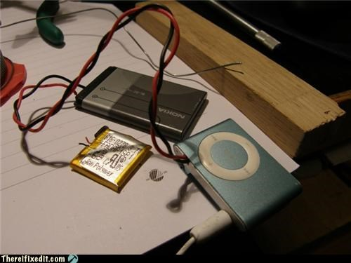 apple products batteries charging electricity ipod