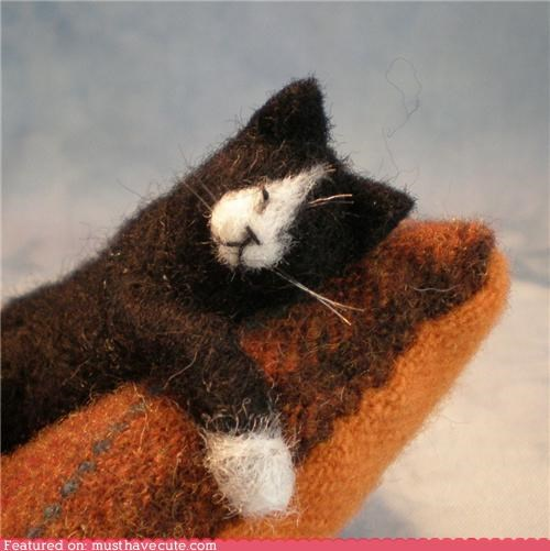 felted kitty pincushion wool