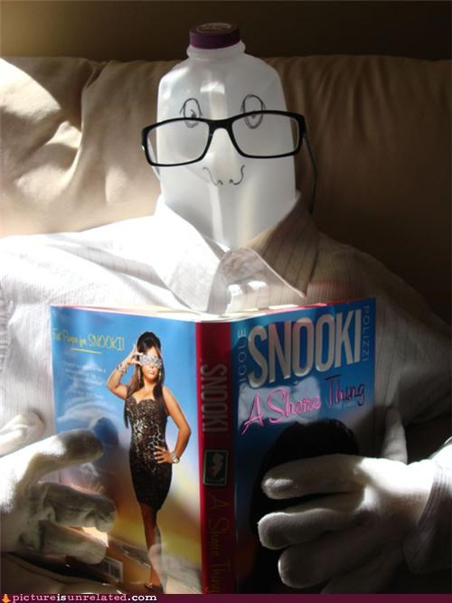 art,book,glasses,snooki,statue,wtf