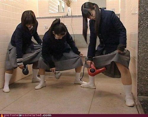 bathroom Japan school girls wtf - 4488738816
