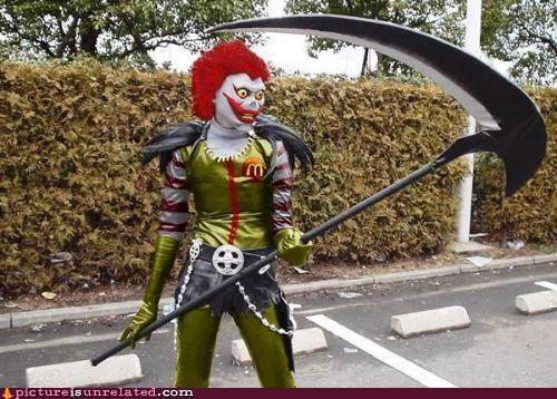 costume creepy Ronald McDonald scythe wtf - 4490225152