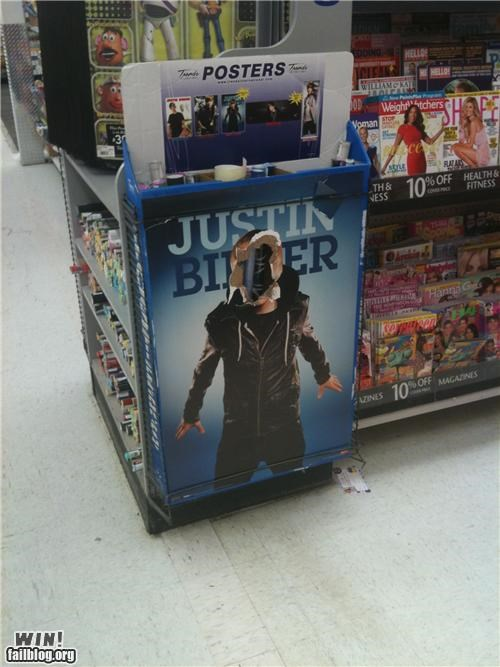 awesome at work celebritities justin bieber vandelism - 4494007296