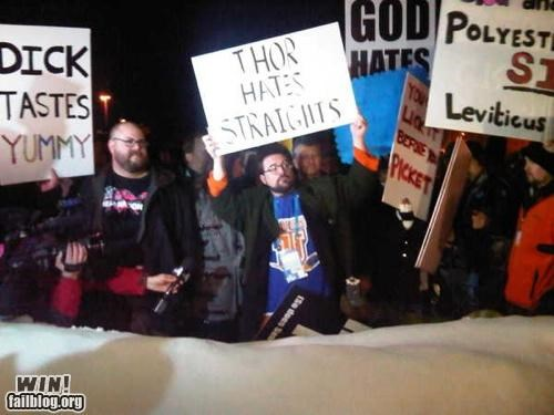 celeb,counter-protest,kevin smith,Protest