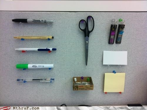 marker,paperclips,pen,post it,scissors