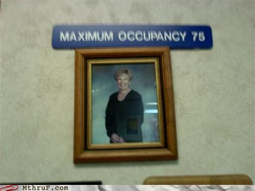 innuendo maximum occupancy picture sign - 4512550912