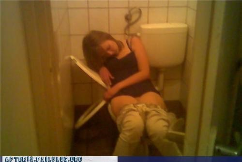 broke passed out pee toilet - 4514372096