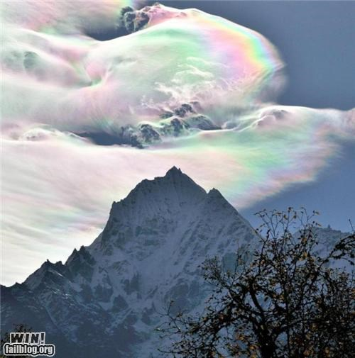 Iridescent cloud over the Himalaya-693x700.jpg (693�700)